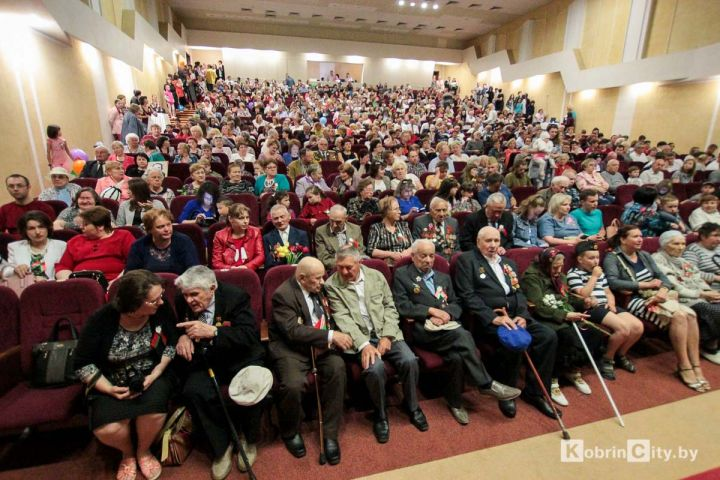 Кобрин отпраздновал 73-ю годовщину Великой Победы